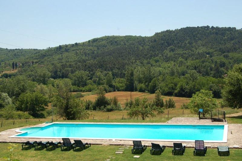 Badia Agnano Villa Sleeps 12 with Pool and WiFi - 5218462, holiday rental in Badia Agnano