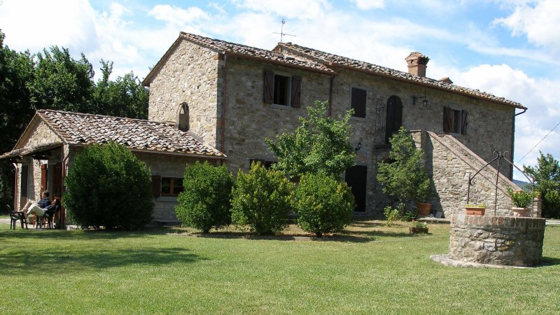 Corgna Holiday Home Sleeps 9 with Pool and WiFi - 5226669, vacation rental in Preggio
