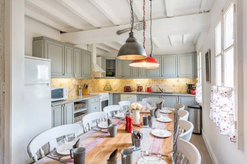 Panjas Villa Sleeps 10 with Pool - 5218071, holiday rental in Caupenne-d'Armagnac