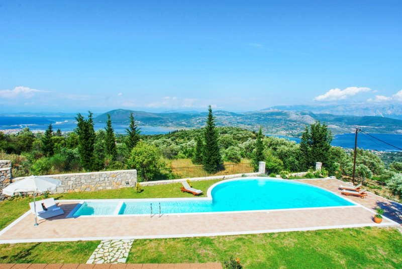 Apolpaina Villa Sleeps 4 with Pool and Air Con - 5218006, vacation rental in Kavallos