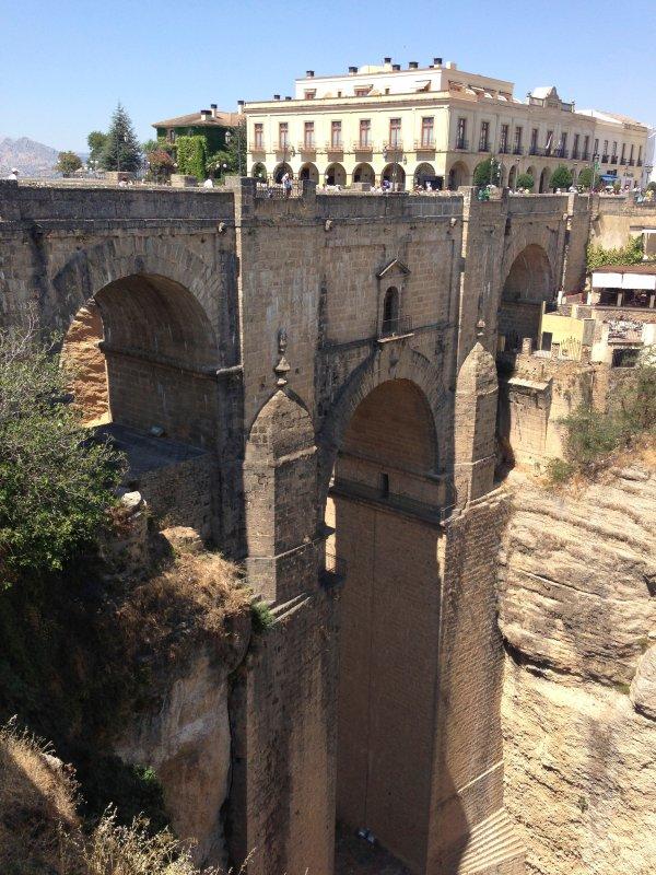 """La cercana Ronda (el famoso """"Puente Nuevo"""")"""