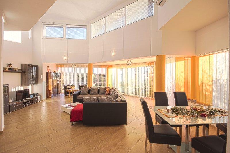 Ferienhaus Brcina Linke Seite, vacation rental in Valtura