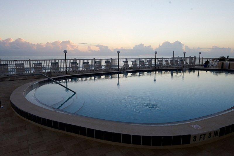 Huge heated oceanfront pool