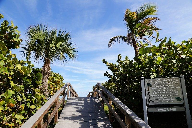 Walkway to ocean!
