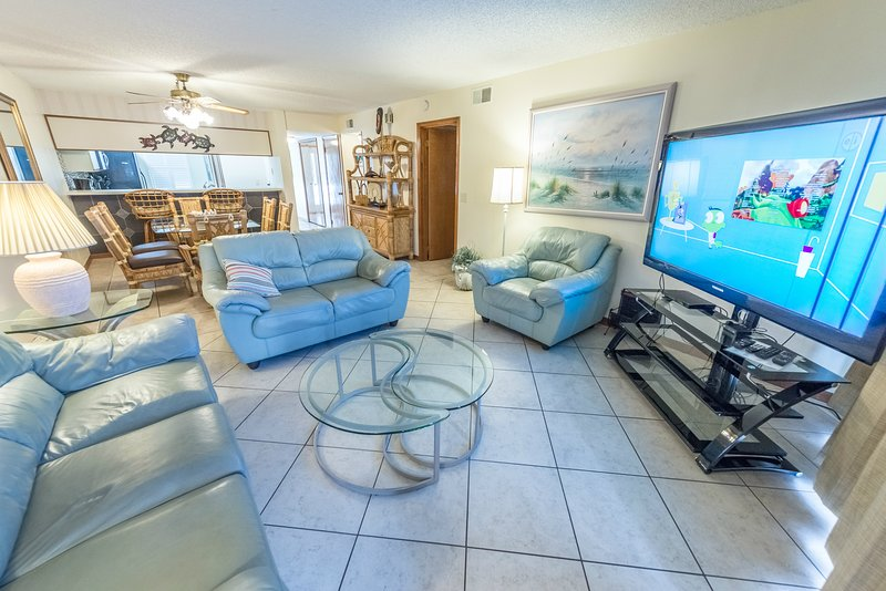 Ground Floor at Sandcastles - Large heated pool & hot tub -Directly on the Beach, alquiler vacacional en Cocoa Beach