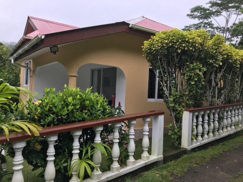 Tropical Garden Self Catering, holiday rental in Anse Etoile