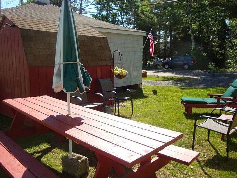 capannone di stoccaggio è dove sedie a sdraio e buggy sono memorizzati. Non mostrato, doccia esterna per dopo la spiaggia