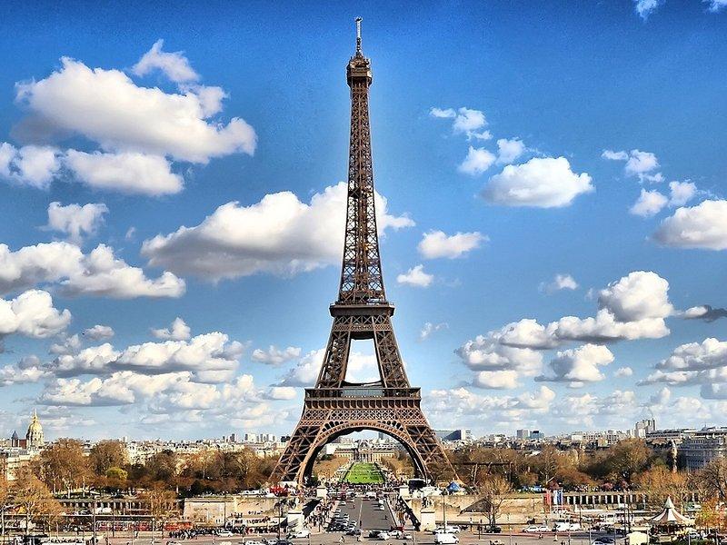Torre Eiffel, 35mn por el transporte