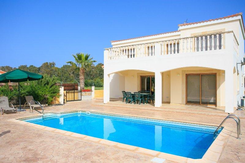 Hermosa villa con piscina privada y terraza