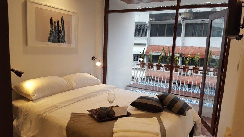 Haus Sathorn 21 (Room 3 w/ Balcony), holiday rental in Phra Pradaeng
