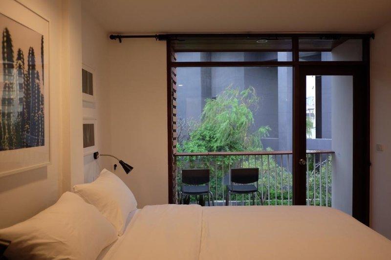 Haus Sathorn 21 (Room 1 w/ Balcony), holiday rental in Phra Pradaeng