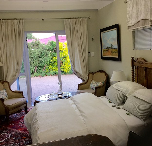 Oak Leaves Cottage, vacation rental in Free State