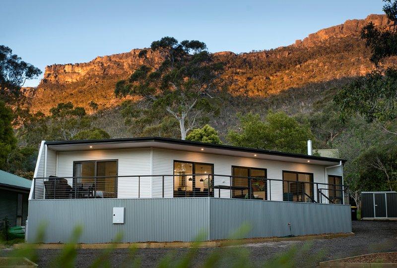 Golton in the Gap - Stylish, spacious & amazing views, Ferienwohnung in Halls Gap