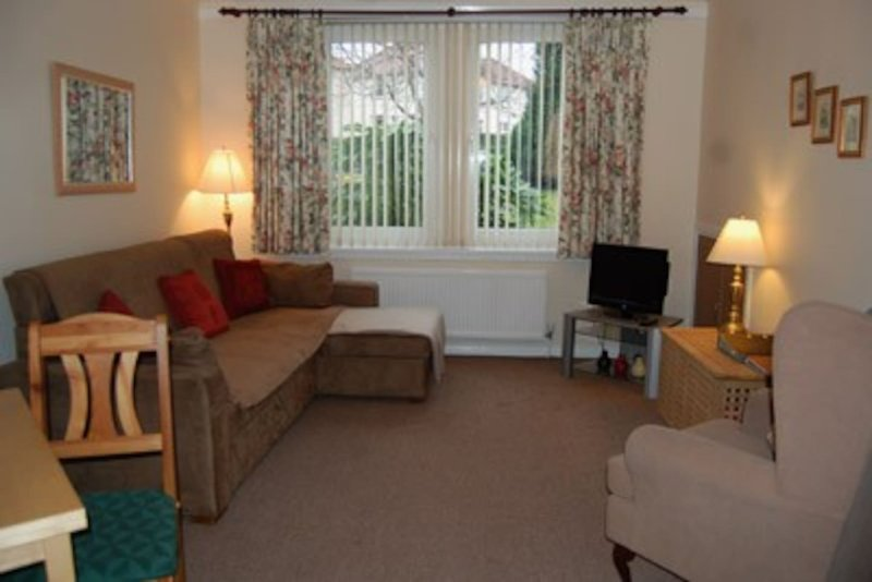 Haig Apartments - Ground Floor (Accessible), vacation rental in Kinghorn
