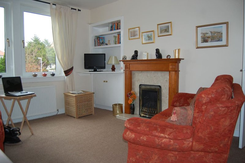 Haig Apartments - First Floor Apartment, vacation rental in Kinghorn