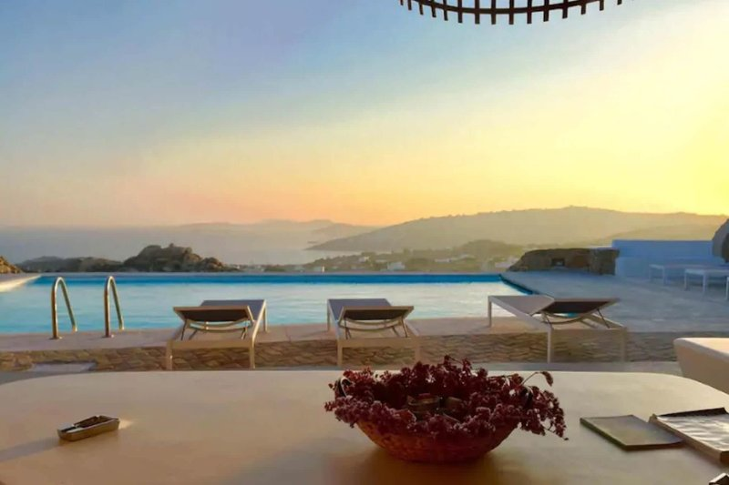 Villa Pirgi, location de vacances à Super Paradise Beach