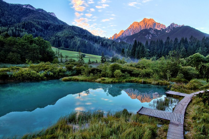 Zelenci Naturschutzgebiet ist eine 35 minütige Fahrt von der Wohnung entfernt.