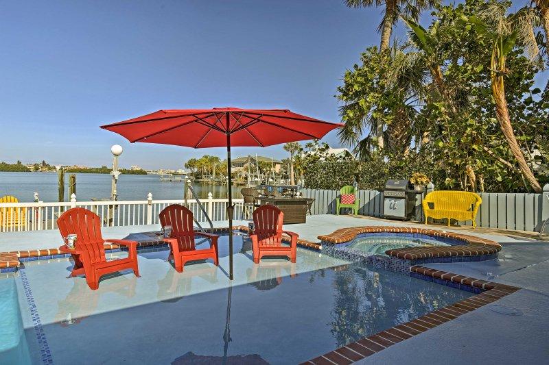 Indian Rocks Beach Home w/Private Pool, Spa & Dock, holiday rental in Belleair Bluffs