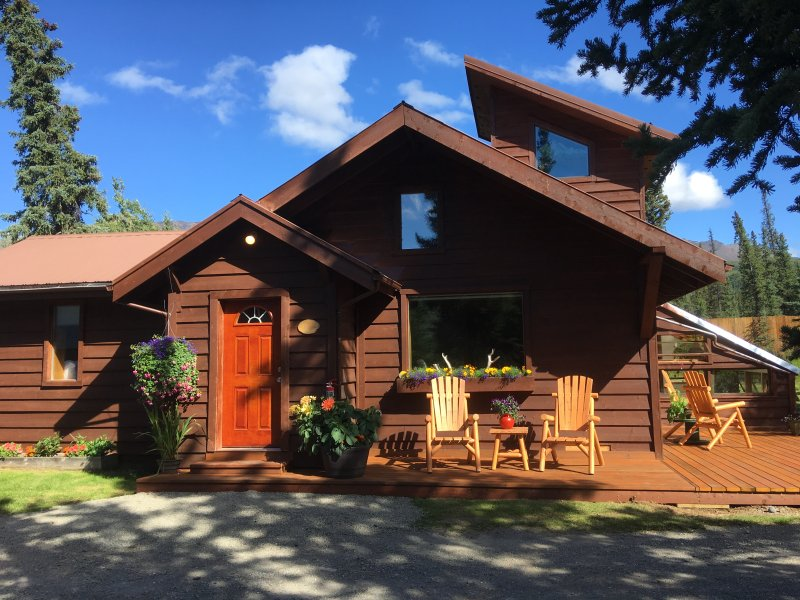 Carlo 3 BR House-Denali National Park, vacation rental in McKinley Village