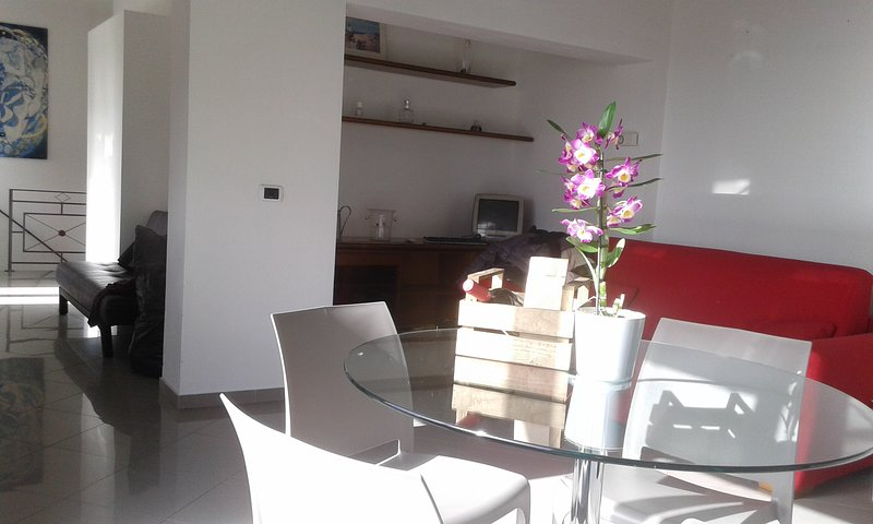 casa del glicine, vacation rental in Joppolo Giancaxio