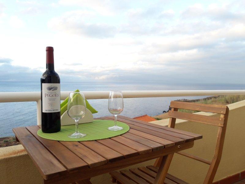 Portinho Bay Apartment - Caniço, holiday rental in Canico