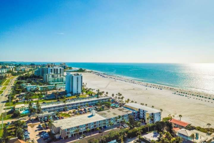 The Gulf of Mexico, with miles of beach front, is just steps away on foot, and minutes down the canal and through the Bay by boat from the apartment.