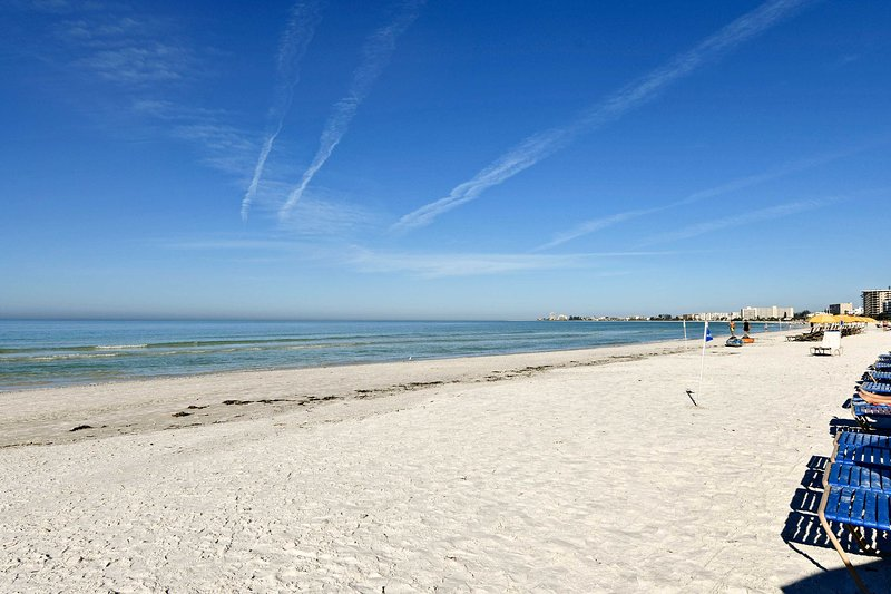 Discover why Siesta Key is America's #1 beach from this cozy condo!