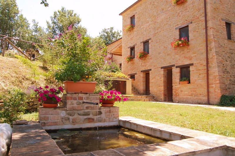 Serpanera - SORVIONA, holiday rental in Montefortino