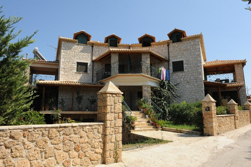 Front view of Ammos Villas