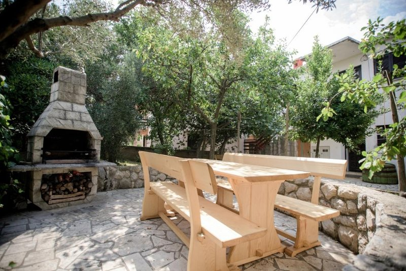 Apartment 4249-1 for 6 Pers. in Cres, casa vacanza a Cres