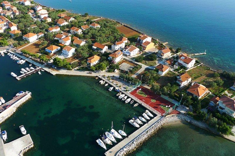 Apartment 4232-2 for 3 Pers. in Poljana, holiday rental in Polvljana