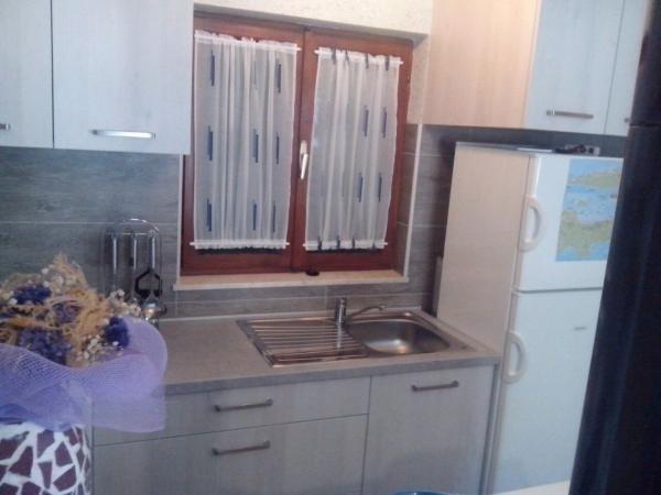 Robinsonhaus 3437-1 für 6 Pers. in Tkon, holiday rental in Kornat Island