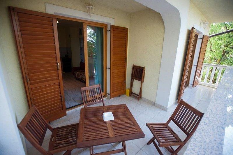 Apartment 3542-2 for 5 Pers. in Povile, alquiler de vacaciones en Povile