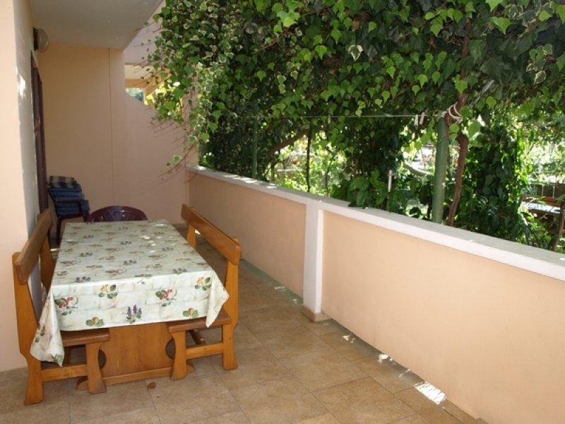 Apartment 3841-1 for 4+2 Pers. in Lopar, aluguéis de temporada em Lopar