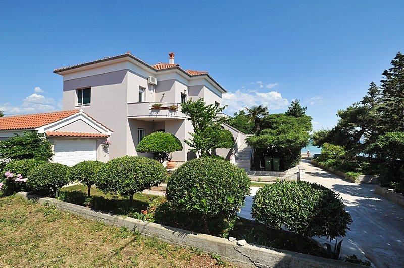 Apartment 3617-1 for 5 Pers. in Poljana, holiday rental in Polvljana
