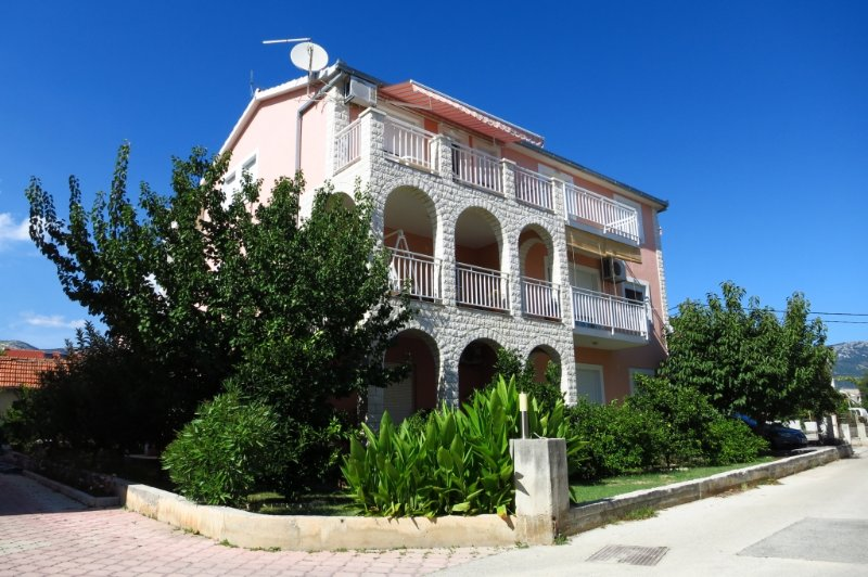 Ferienwohnung 3784-4 für 6 Pers. in Kaštel Štafili, vacation rental in Kastel Novi
