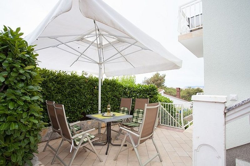 Apartment 3623-4 for 6 Pers. in Omišalj, casa vacanza a Omisalj