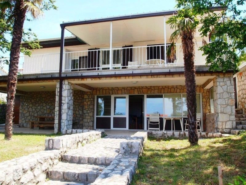 Apartment 3623-5 for 6+2 Pers. in Omišalj, casa vacanza a Omisalj