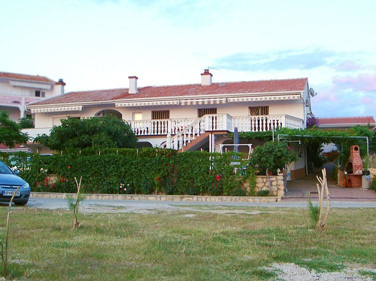 Apartment 3597-5 for 4 Pers. in Kustici, holiday rental in Kustici