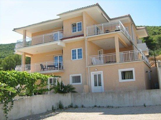 Ferienwohnung 3571-2 für 6 Pers. in Grebaštica, location de vacances à Grebastica