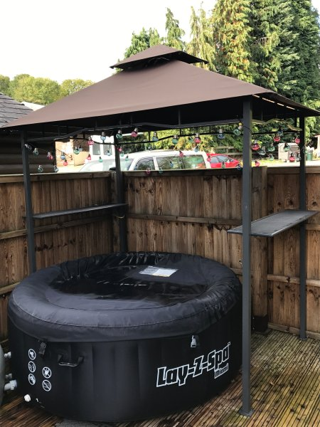 Hot tub available to hire