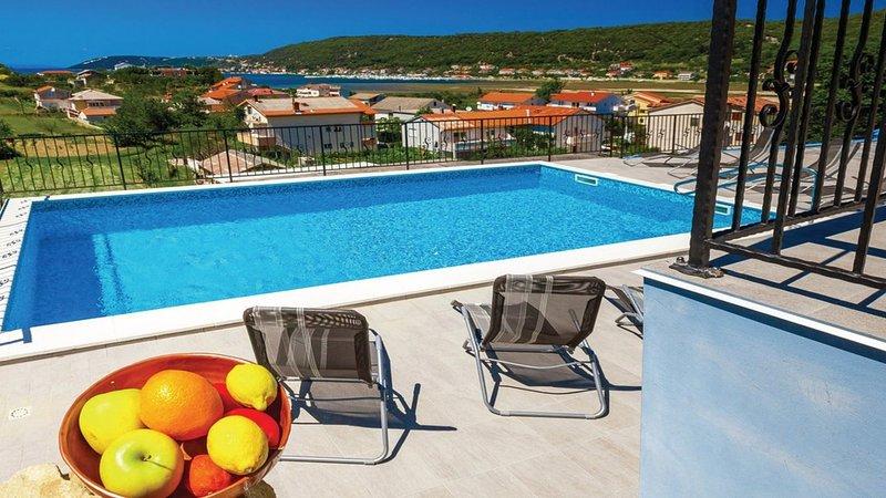 Holiday Home 890-1 for 10+2 Pers. in Supetarska Dr, alquiler de vacaciones en Supetarska Draga