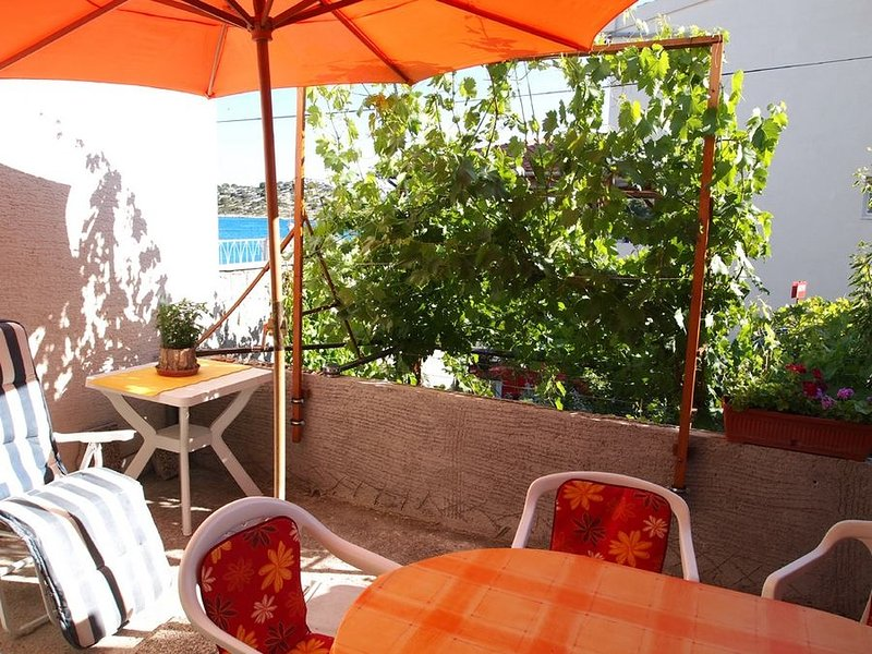Ferienwohnung 189-3 für 4+2 Pers. in Tribunj, location de vacances à Kaprije
