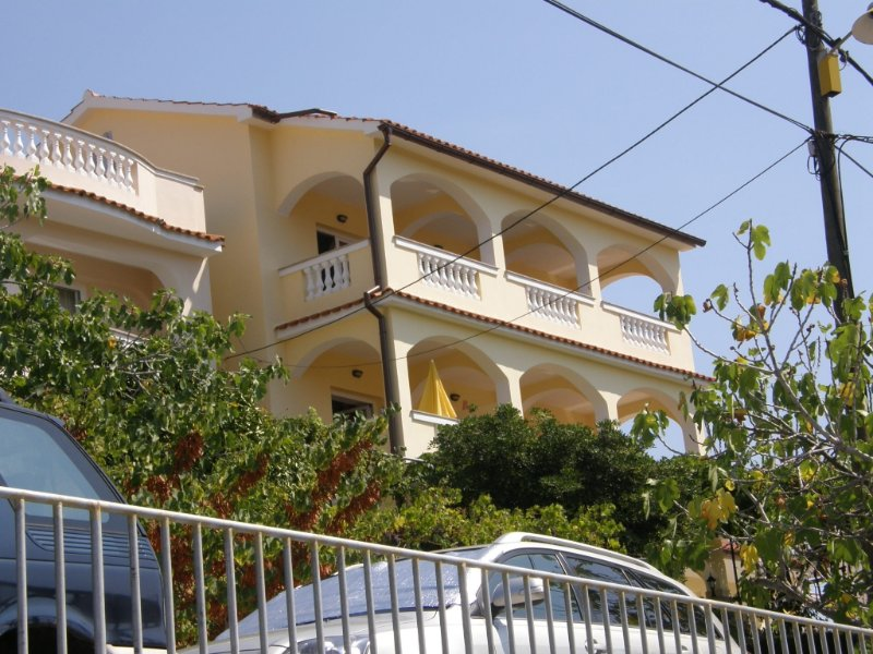 Apartment 186-4 for 4 Pers. in Lopar, aluguéis de temporada em Lopar
