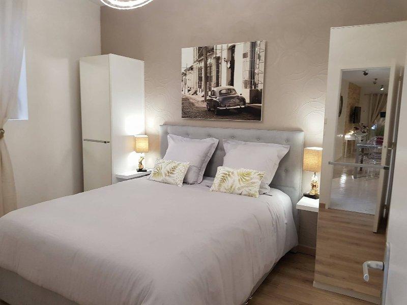Superbe Appartement, casa vacanza a Cambes