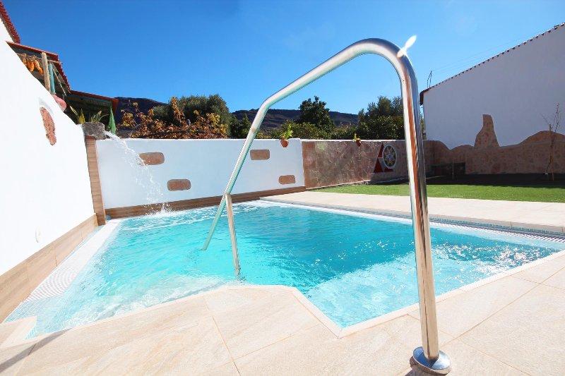 Lovely villa in Santa Lucia with private salt pool, vacation rental in Santa Lucía de Tirajana