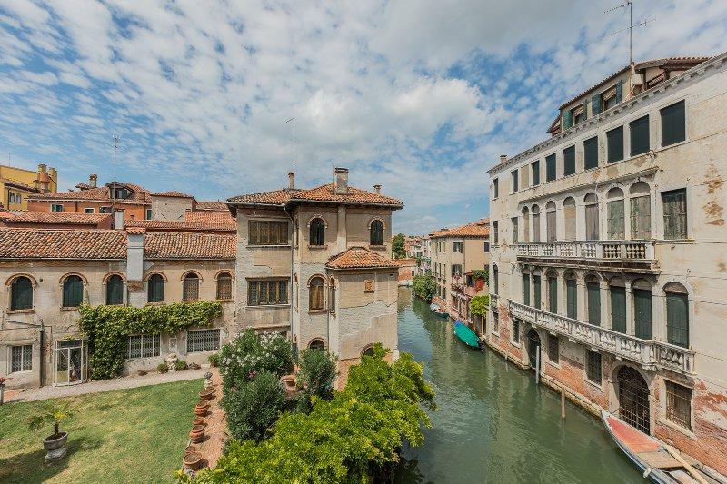 superbe vue sur le canal agréable de la salle de séjour du Soranzo « A »
