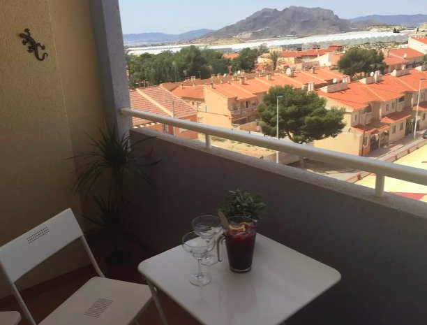 Spacious modern and airy 3 Bedroomed apartment – semesterbostad i Puerto de Mazarron