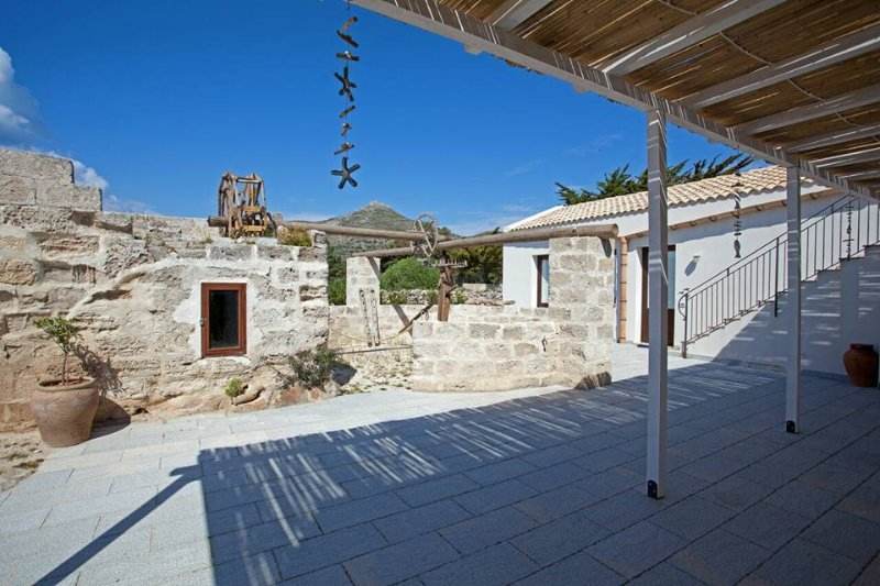 Senia del Rais casa vacanze, holiday rental in Aegadian Islands