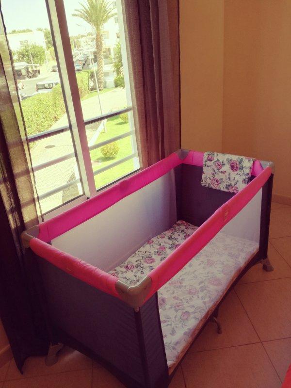 lit bébé disponible